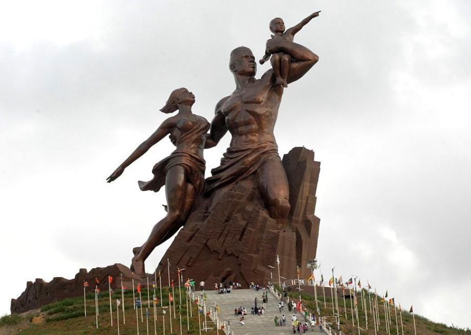 le_monument_de_la_renaissance_africaine.jpg.CROP.promo-large2