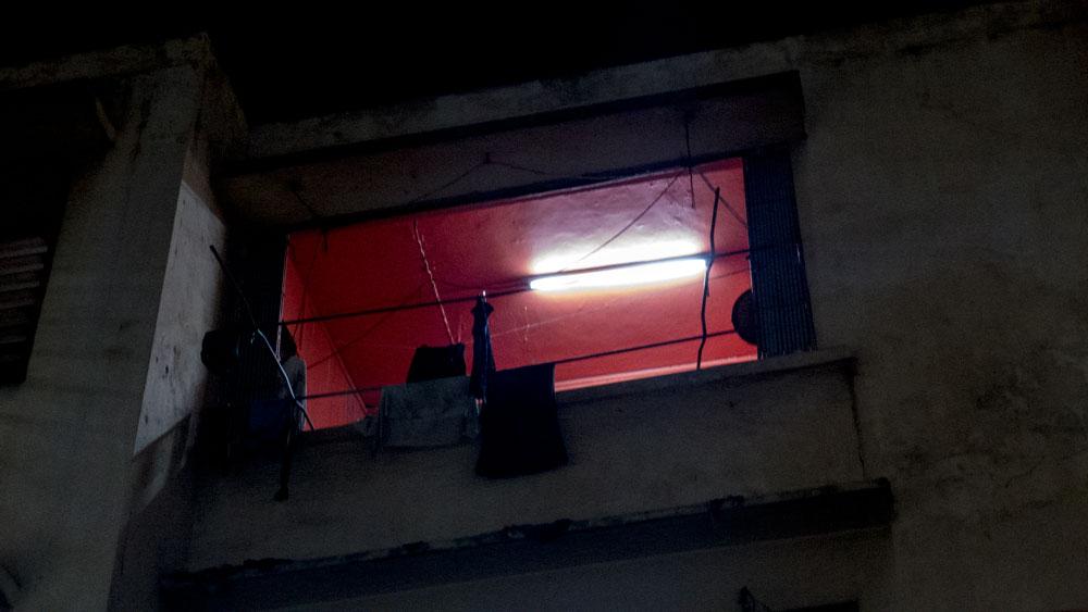 red-window-P1080035